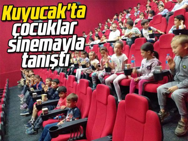 Kuyucak'ta çocuklar sinemayla tanıştı