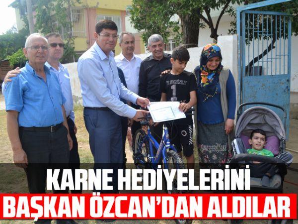 Karne hediyelerini Başkan Özcan'dan aldılar