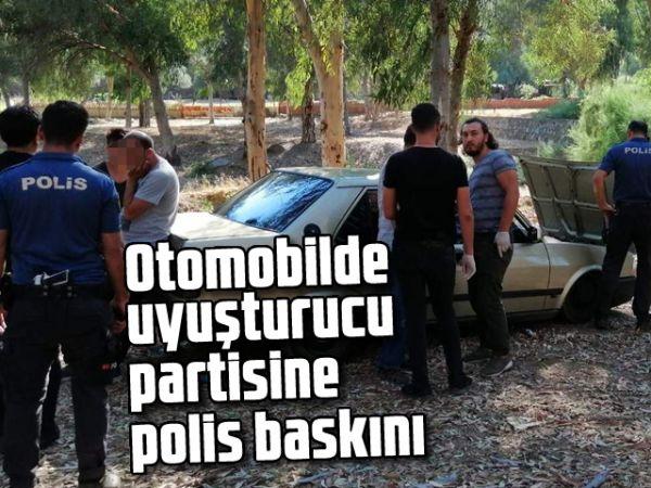Otomobilde uyuşturucu partisine polis baskını