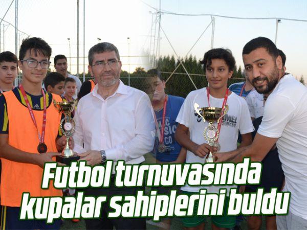 Futbol turnuvasında kupalar sahiplerini buldu