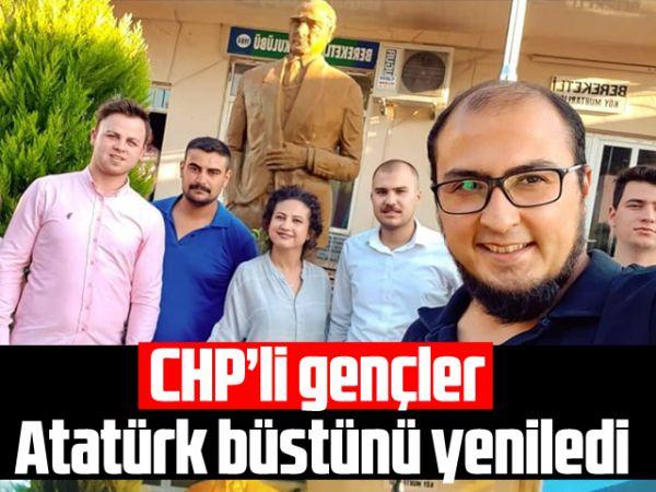 CHP'li gençler Atatürk büstünü yeniledi