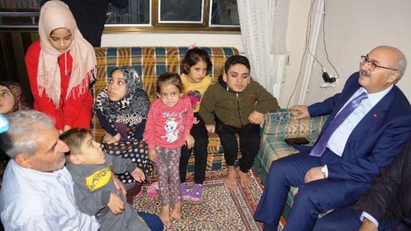 Savaş mağduru Suriyeli engelli kardeşlere devlet sahip çıktı
