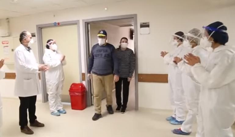 Koronavirüsü yenen vatandaşlar alkışlarla taburcu oluyor