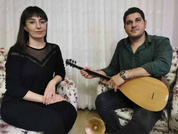 Samur çiftinden online moral konseri