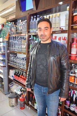 Nazilli'de sevilen esnaf arabasında ölü bulundu
