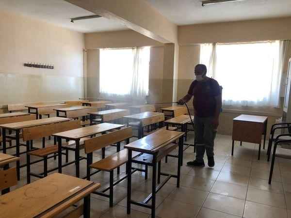 Nazilli Belediyesi, YKS öncesi tüm okulları dezenfekte ediyor