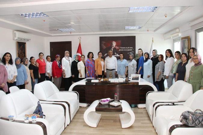AK Kadınlar'dan Başkan Kaplan'a ziyaret