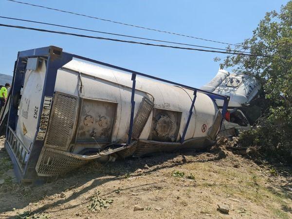 Buharkent'teki yakıt tankeri kazası, yürekleri ağza getirdi