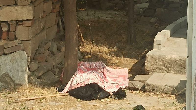 Yaşlı kadın, evinin bahçesinde ölü bulundu