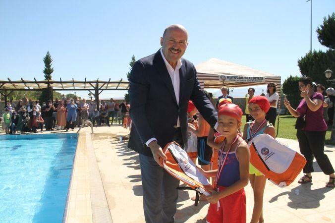 Kuyucak'ta kursiyerler yıl sonu gösterisi düzenlendi
