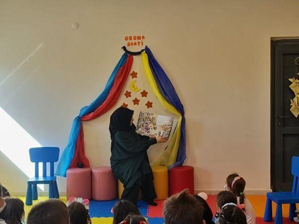 Latife Hanım Anaokulu'nun minikleri kütüphaneyi gezdi