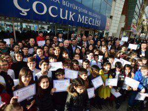 Ankara Büyükşehir Belediyesi 24. Dönem Çocuk Meclisi'nde mazbata heyecanı yaşandı