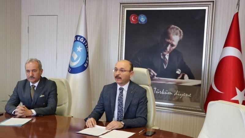 """Türk Eğitim-Sen """"2023'e Doğru Türkiye'de Öğretmen Yetiştirme Çalıştayı"""" düzenledi"""