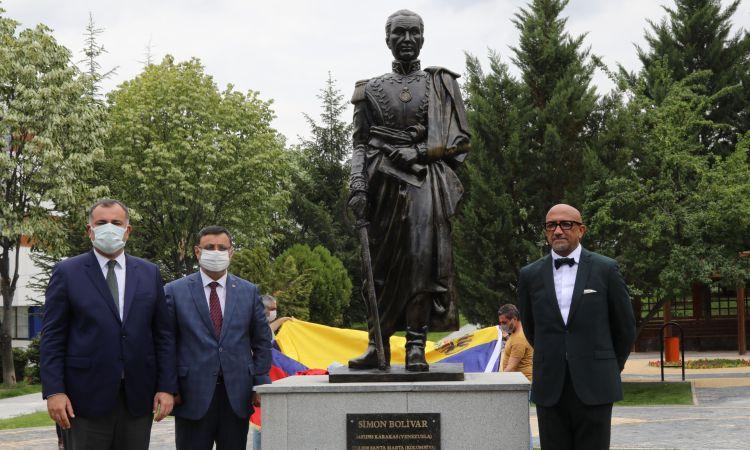 Çankaya Sancak Mahallesi'ndeki Simon Bolivar Parkı Yenilendi