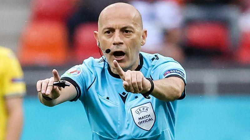 Cüneyt Çakır Tarihe Geçti! Avrupa Şampiyonalarının En Çok Maç Yöneten Hakemi!