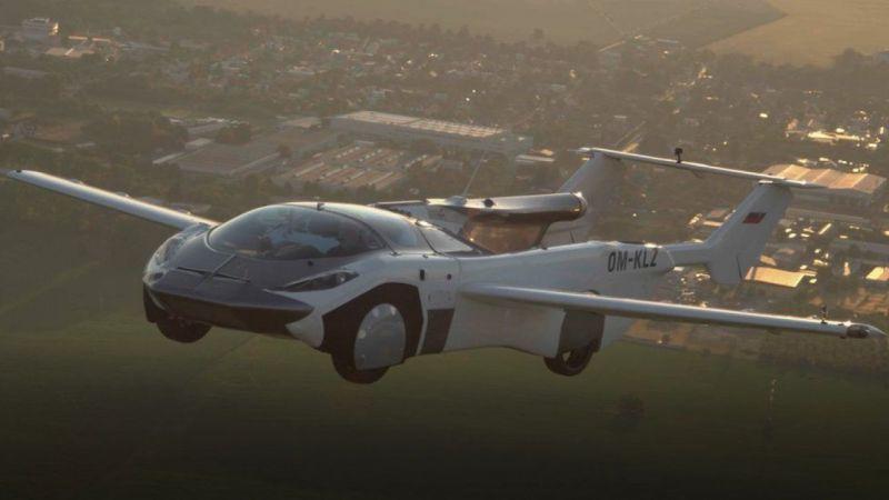 Uçan Arabada Büyük Adım: 35 Dakika Havada Kaldı