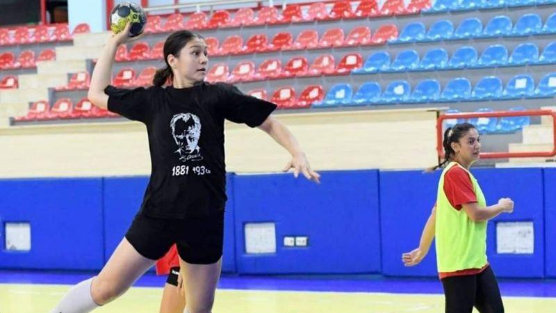 Yenimahalle Belediyesi Kadın Hentbol Takımına Taze Kan 7 Sporcu Kadroya Dahil Oldu