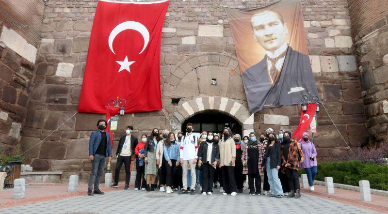 Ankara'ya hoş geldiniz gençler