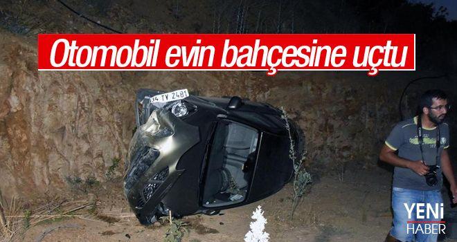 Bodrum'da otomobil evin bahçesine düştü: 3 yaralı