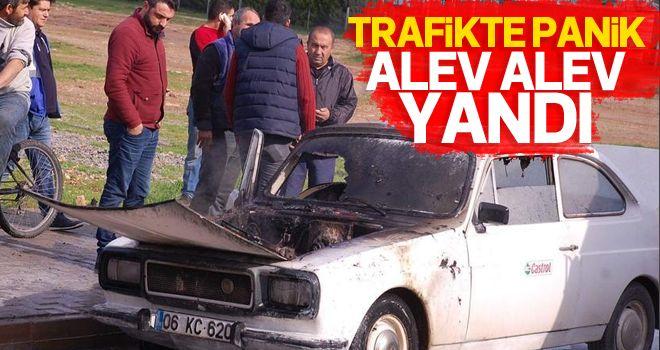 Didim'de seyir halindeki otomobil yandı