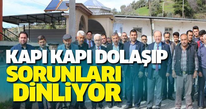 Mesut Özakcan vatandaş ile bir arada