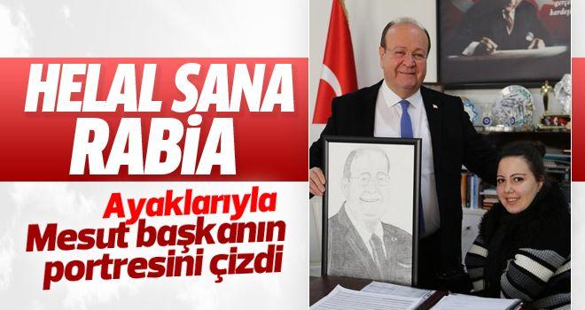 Başkan Özakcan'a Rabia'dan anlamlı hediye