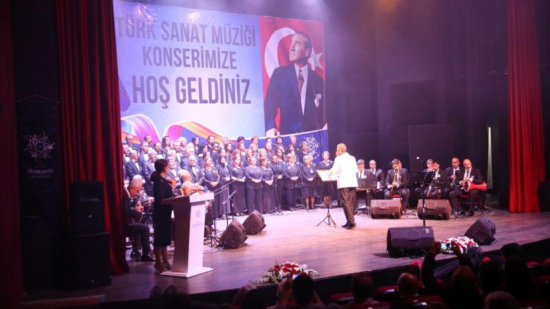 Büyükşehir Atatürk'ü Sevdiği Şarkılarla Andı