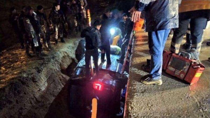 Sabiha Gökçen'deki uçak kazasına giden polisler kaza yaptı