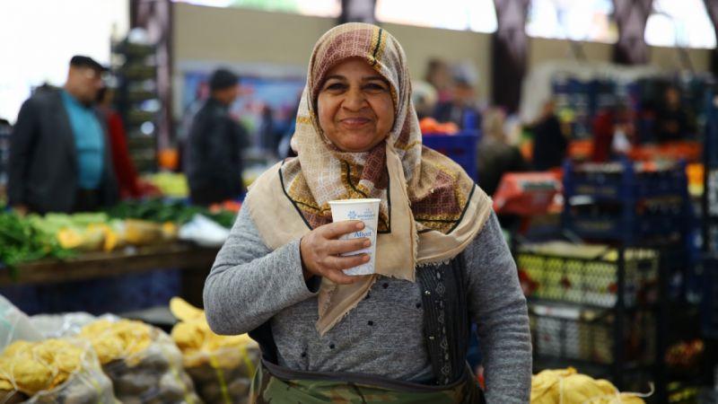 Aydın Büyükşehir vatandaşlara sıcak çorba dağıtmaya devam ediyor