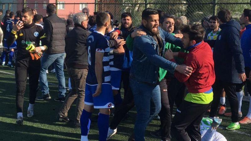 Aydın'daki amatör lig maçında oyuncular arasında kavga çıktı