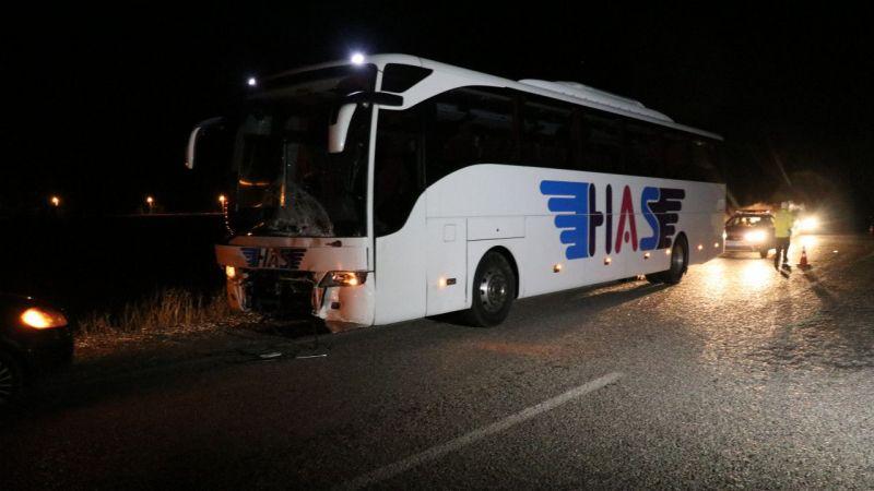 Denizli'de otobüs ile otomobil çarpıştı: 3 ölü, 1 yaralı