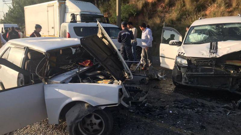 Aydın'da iki otomobilin çarpışması sonucu 2'si çocuk 5 kişi yaralandı