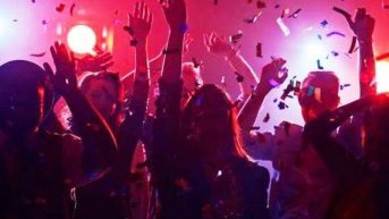 Koronavirüs nedeniyle gece eğlence mekanlarının faaliyetleri durdurulacak