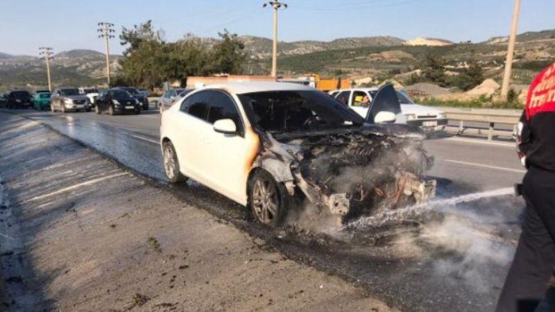Aydın'da seyir halinde araç alev aldı
