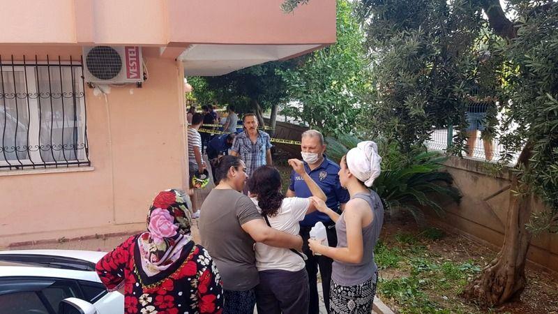 Antalya'da bir kadın çocuğunu çatıdan atıp, intihar etti