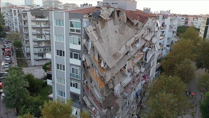 Ağır  hasarlı binadan 24 gün sonra kurtarıldı! Gebe olduğu anlaşıldı