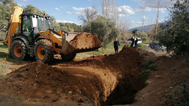 Aydın'da define aramak için 12 metrelik çukur kazdılar