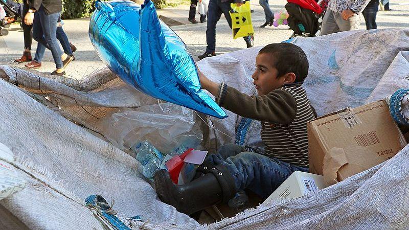 Suriyeli çocukların kağıt toplaması yasaklandı