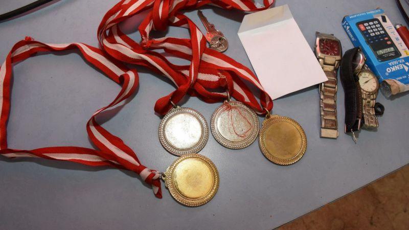 Aydın'da çalınan madalyalarına kavuşan karateciden polise teşekkür