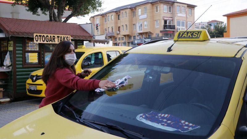 Fethiyeli karı koca aynı durakta farklı taksilerde şoförlük yapıyor