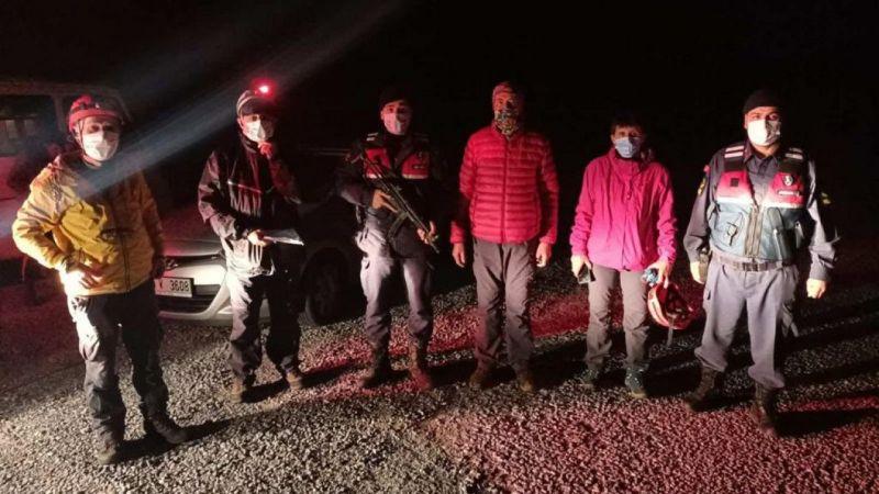 Aydın'da dağda kaybolan 2 kişiyi jandarma buldu