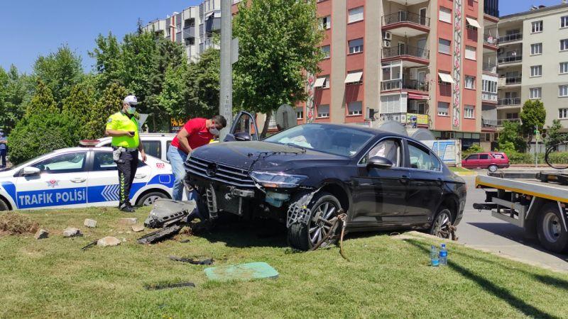 Aydın'da iki otomobilin çarpıştı: 1 kişi yaralandı