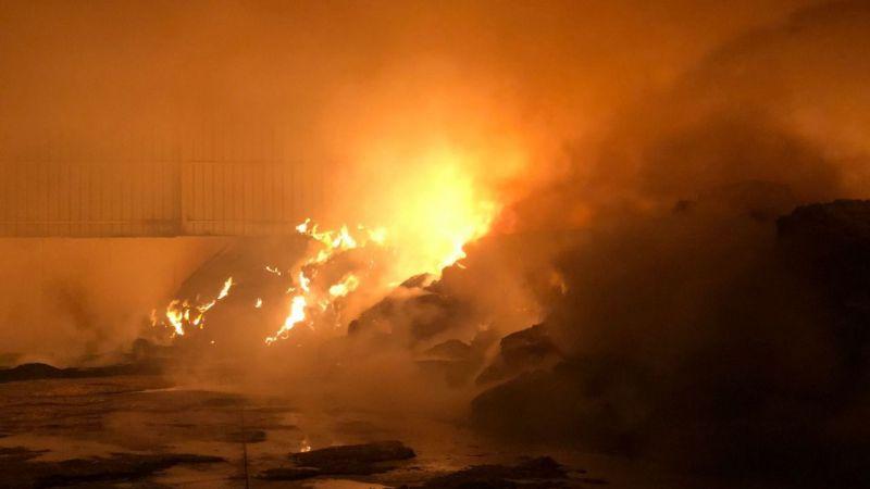 Nazilli'de büyük yangın! Tonlarcası kül oldu