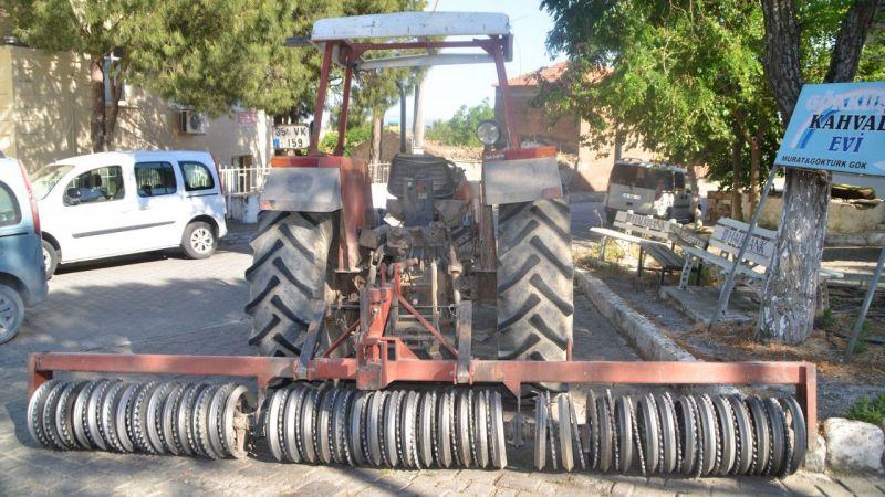 Aydın'da yol kenarındaki yayaya tarım aleti çarptı