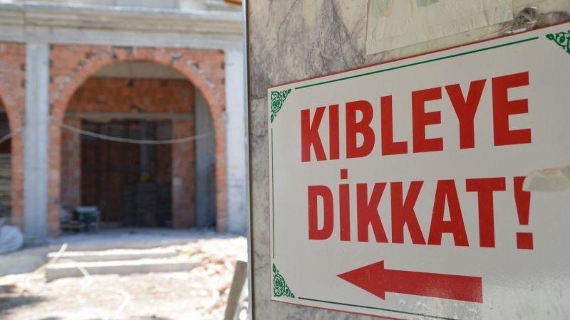 Aydın'da kıblesi yanlış olan cami yeniden inşa ediliyor