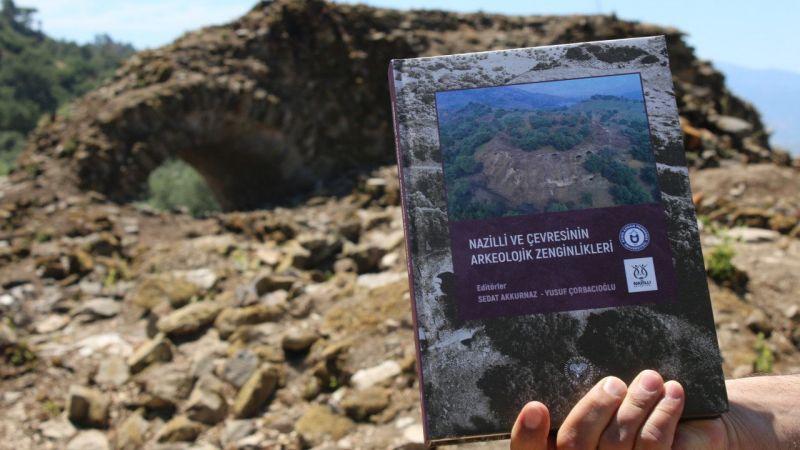 """""""Nazilli ve Çevresinin Arkeolojik Zenginlikleri"""" kitabı Mastaura Antik Kenti'nde tanıtıldı"""