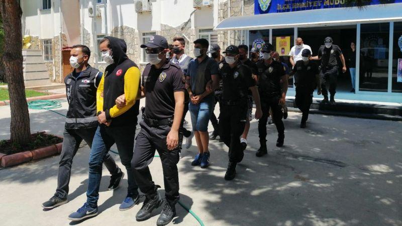 Atabay ile avukatına sopayla saldıranlar adliyeye çıkarıldı