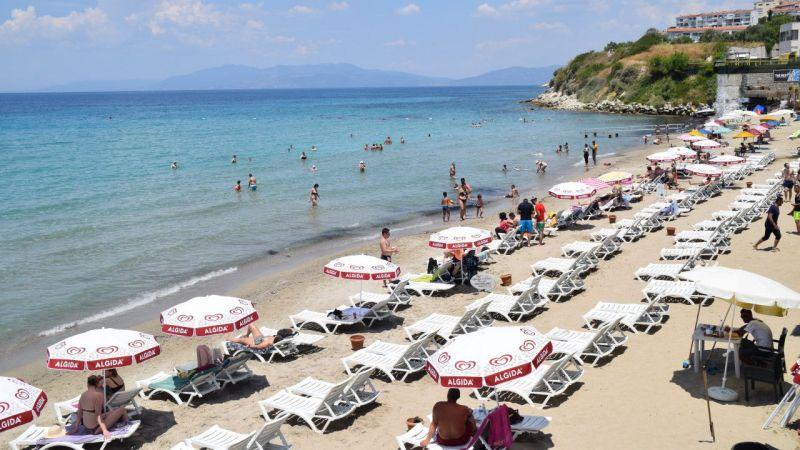 Kuşadası'nda sahiller yabancı turistlere kaldı