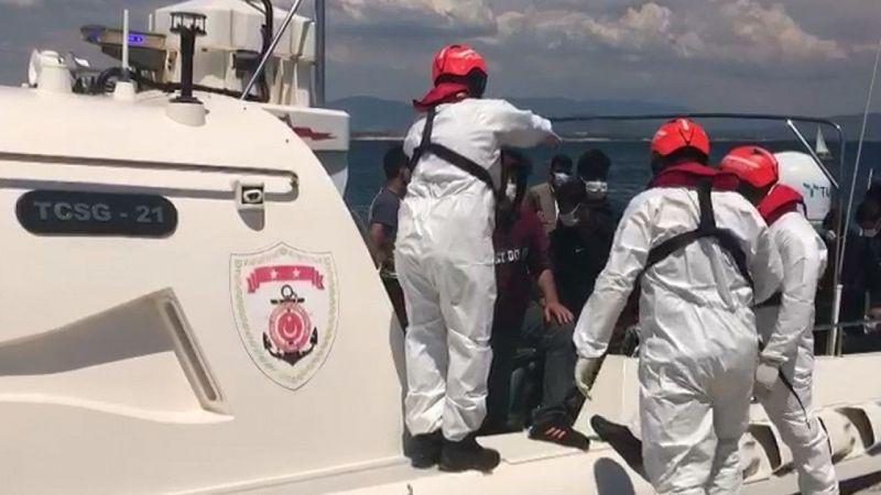 Ege Denizi'nde Türk kara sularına itilen 100 sığınmacı kurtarıldı