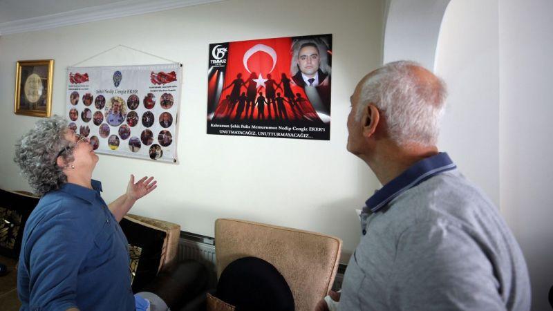 15 Temmuz şehidi Nedip Cengiz Eker'in anne ve babası, evlatlarını gururla anıyor